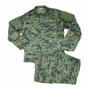 Uniform (7 olika att välja mellan)
