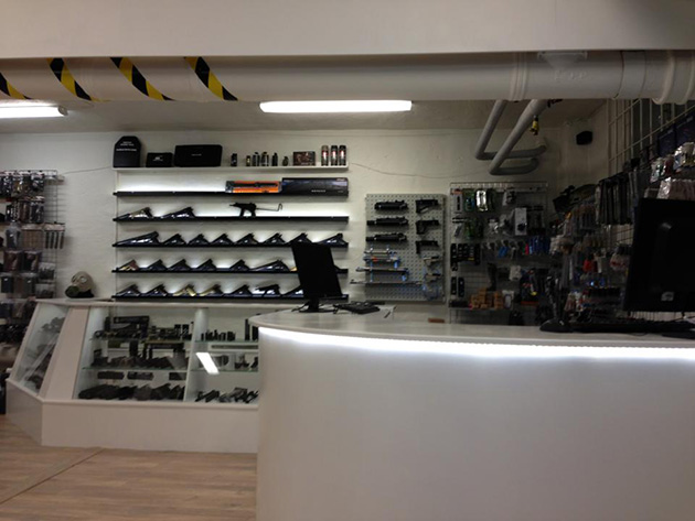 Striker Airsofts nya butik.
