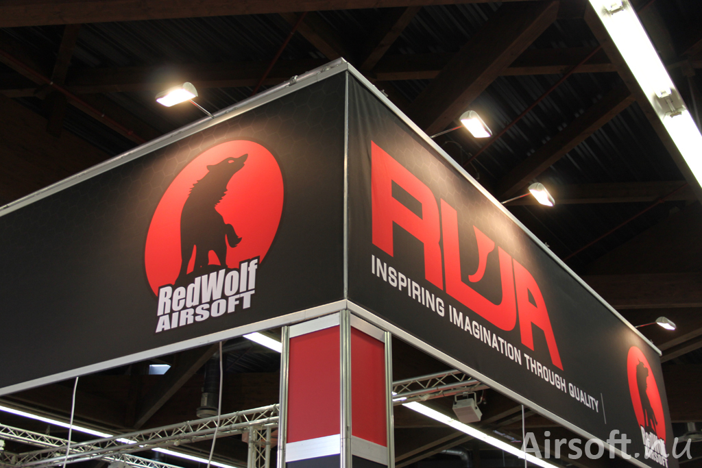 Redwolf Airsoft på IWA 2014.
