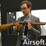 WE M1A1 Thompson GBBR (licensierad av Cybergun) hos butiker
