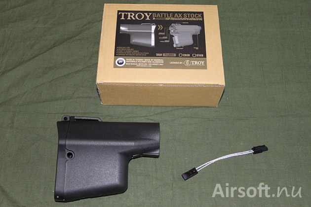 Madbull Troy Battle Ax stock comes together with an extension adapter.