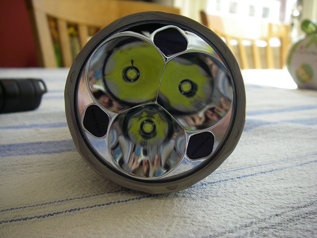 Ficklampa från Nitecore.
