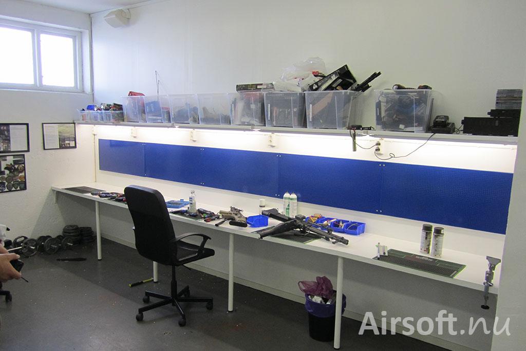 Vapenverkstad hos Frysen Airsoft.
