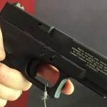 Licensierade Glock-pistoler från Cybergun visade på Milipol 2015